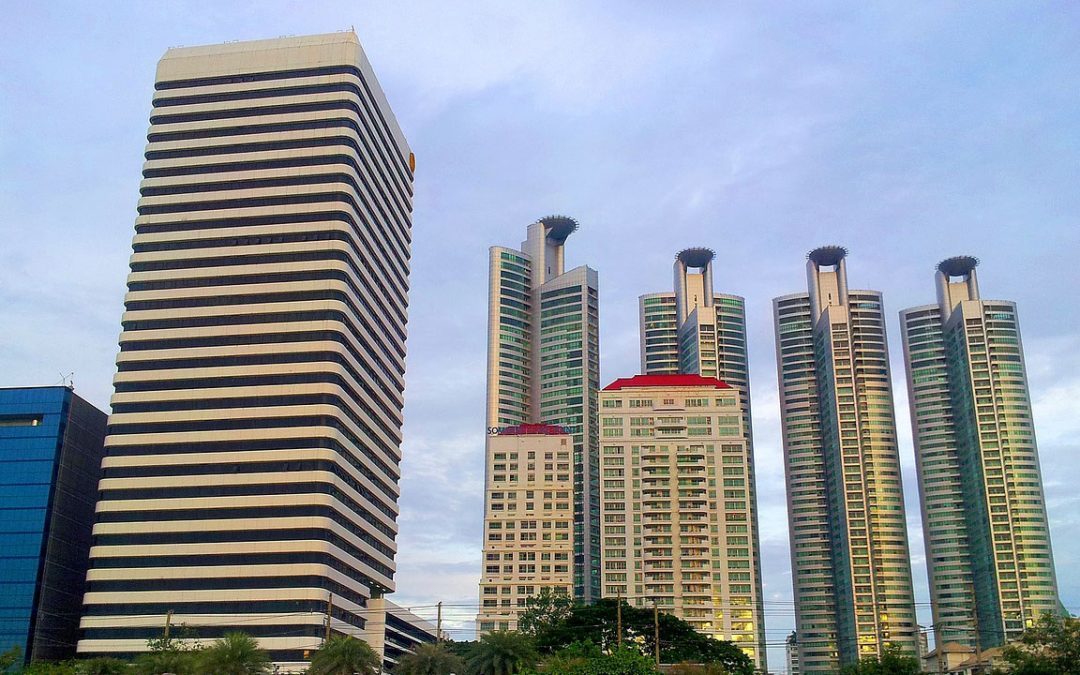 What's The Difference Between A Condo and An HDB Flat